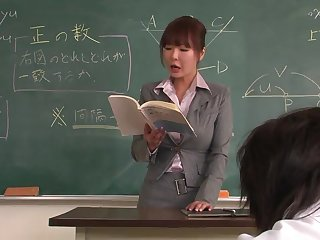 Lecturer helps a well-draped schoolgirl to put to use on hammer away lesson