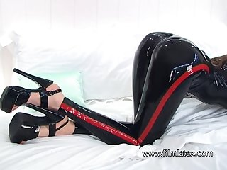 Wondrous naughty latex slut wanna brag off her juicy booty